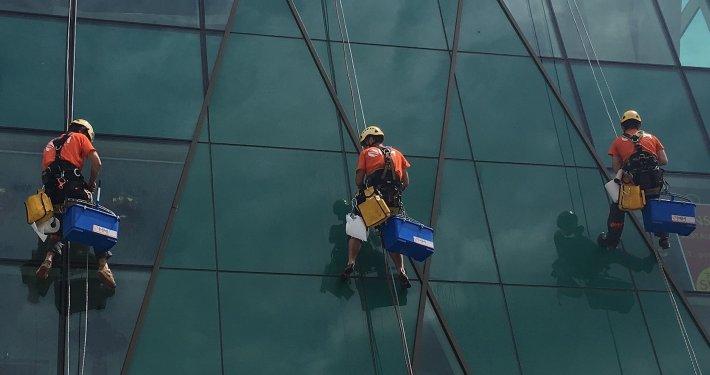 Umyvanie okien a vyskovych budov
